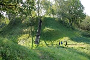 Narkunu piliakalnis III